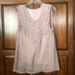 Made in Italy Sleeveless top with croched detail